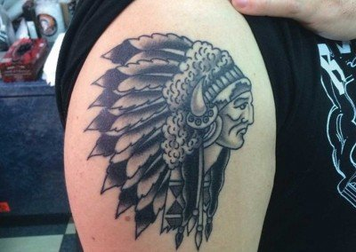 BNG INDIAN CHIEF HEADDRESS